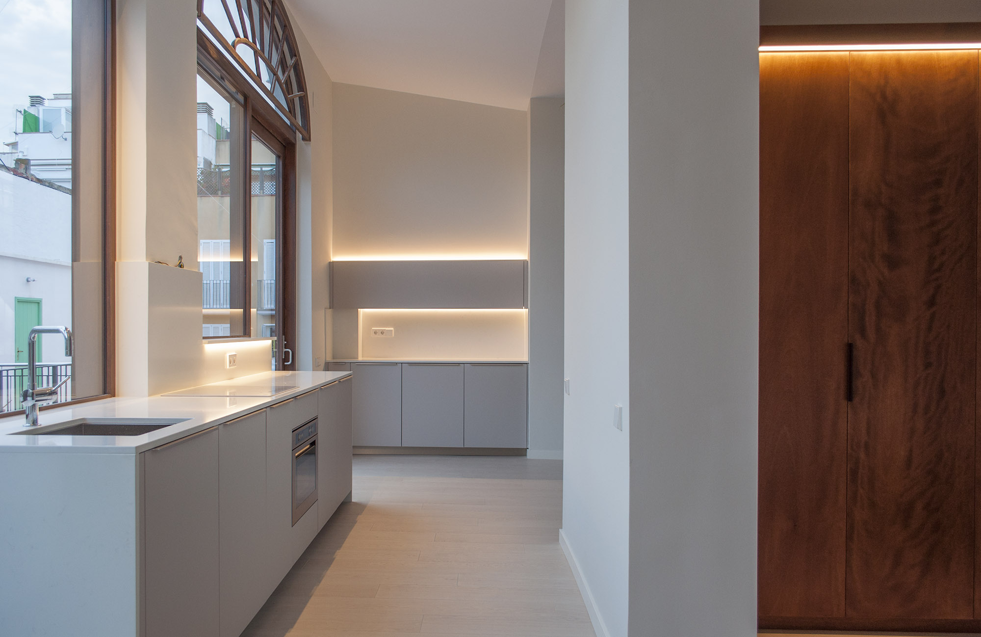 1-architect-barcelona-sitges-rehabilitation-of-apartment-kitchen
