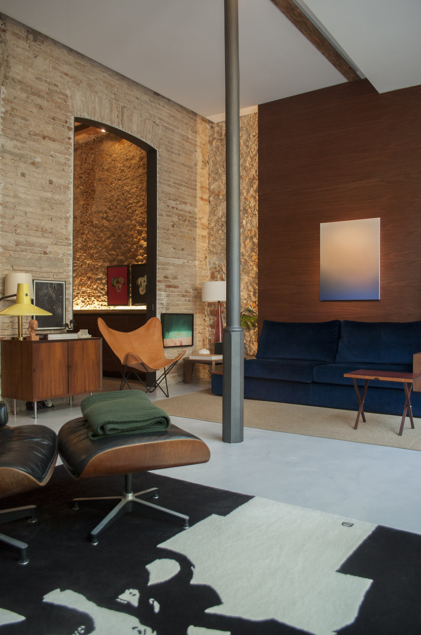 20-arquitectos-barcelona-sitges-casas-renovacion-cocina-salon-arte
