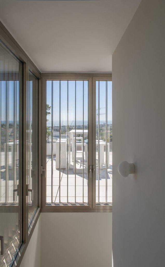 17-b-rardo-architects-casas-en-sitges-lamas-volumen-ventana-vistas-al-mar