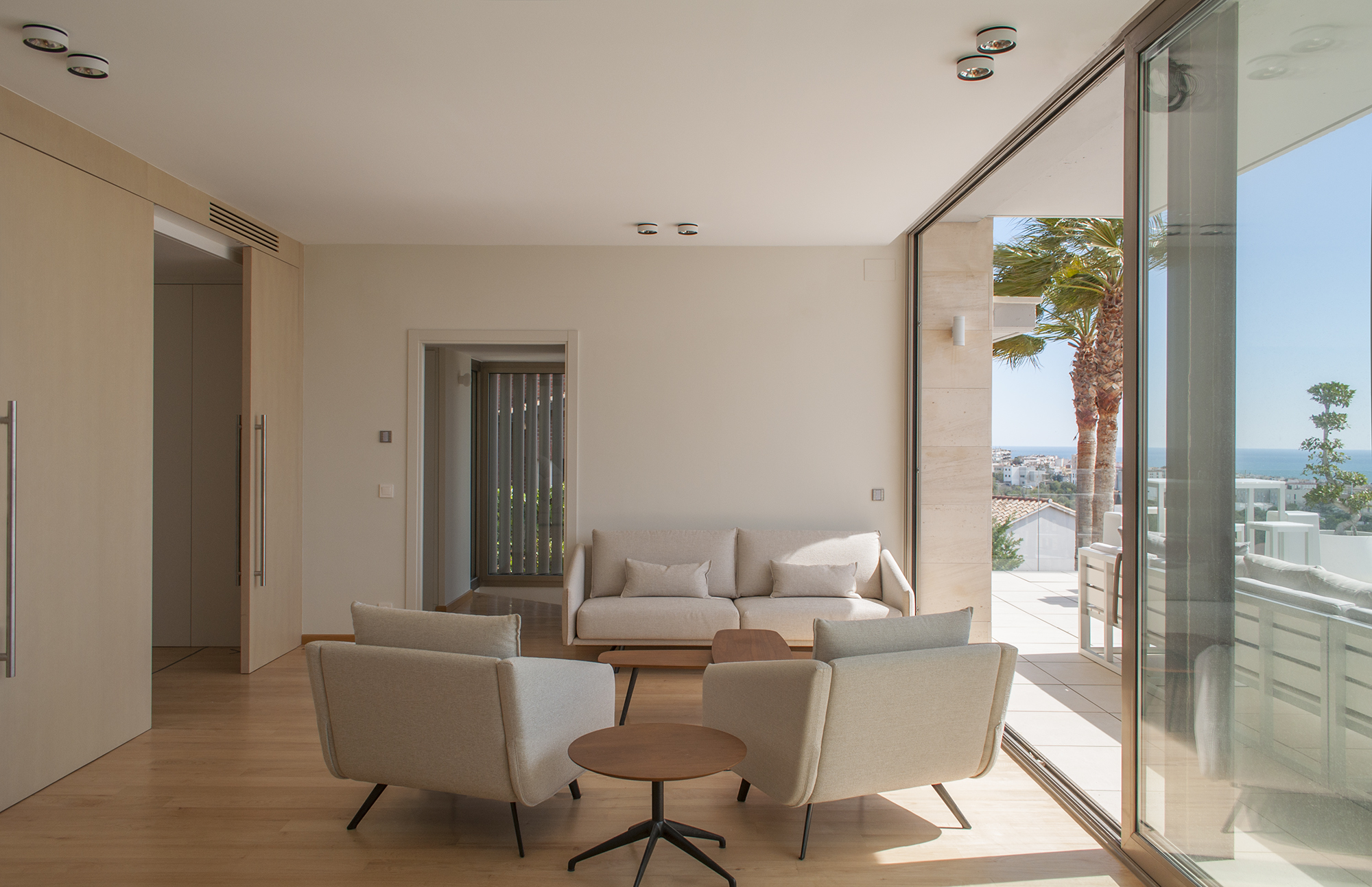 19-rardo-architects-houses-in-sitges-interior-design-living-dining-room-sea-view-sofa