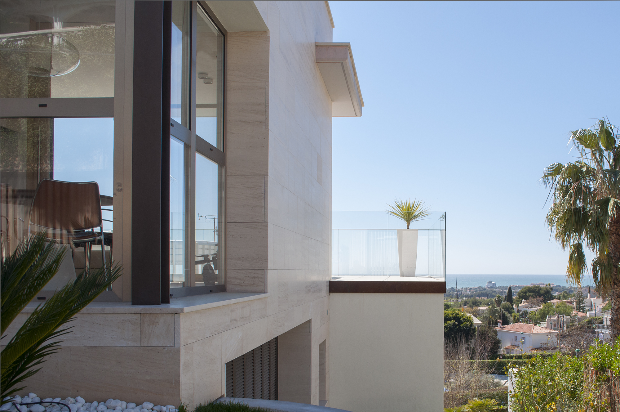 9-rardo-architects-houses-sitges-corner-window-sea-view-terrace