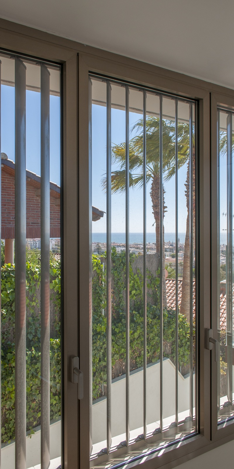 17-a-rardo-architects-houses-in-sitges-volume-window-seaview-