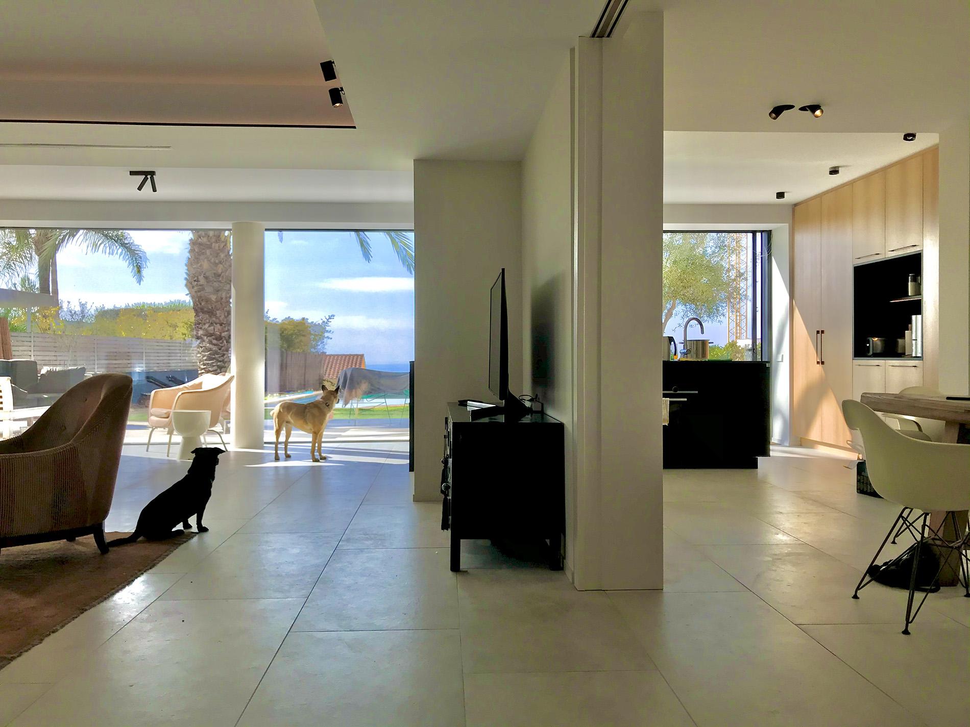 arquitectos en barcelona sitges full refurbishment single storie house in valpineda II