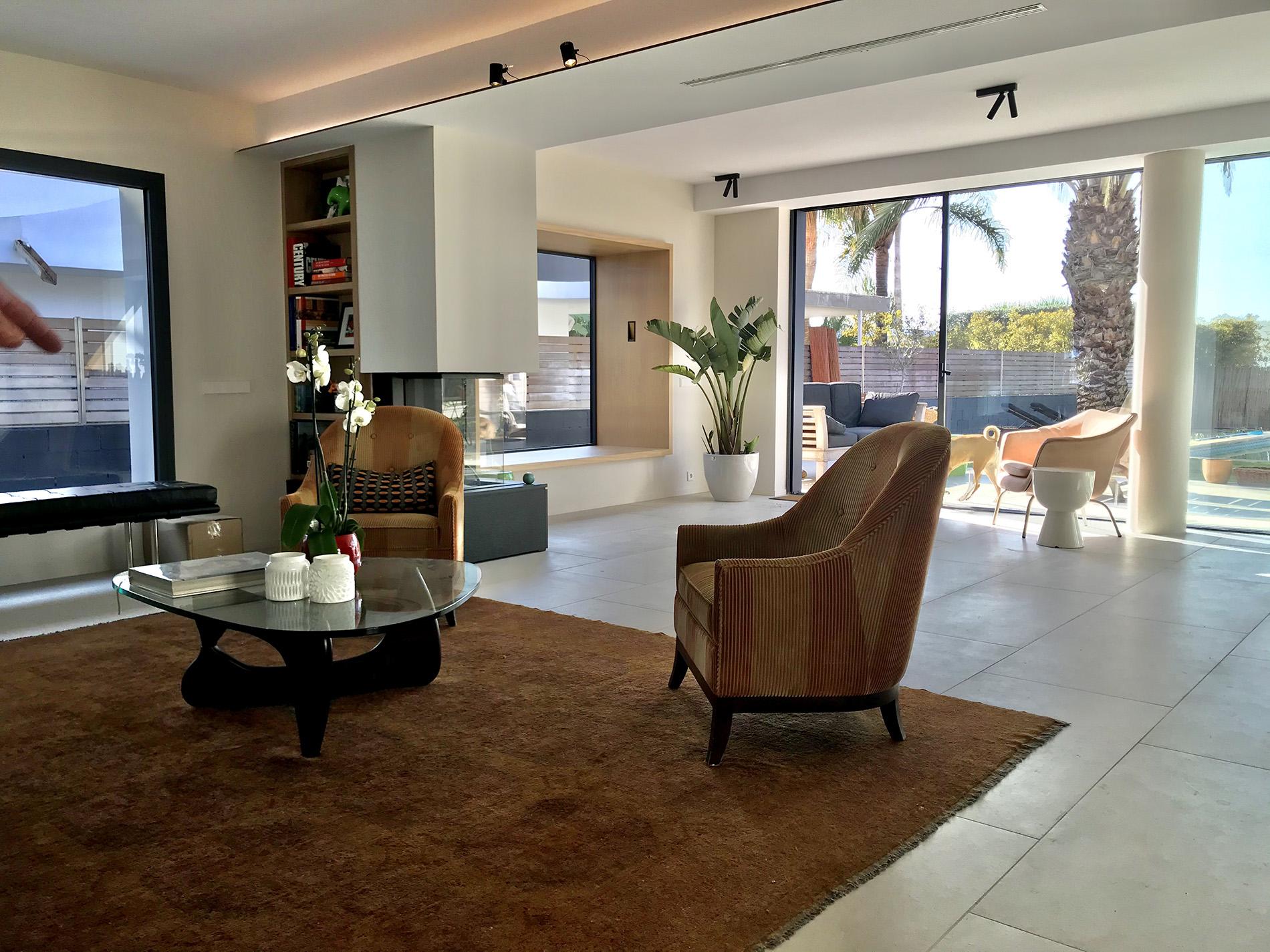 arquitectos en barcelona sitges full refurbishment single storie house in valpineda IV